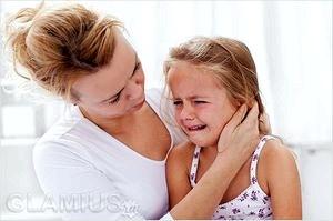 Малыш боится оставаться один дома: рекомендации родителям.