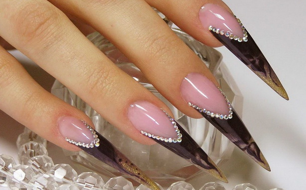 Наращивание ногтей – жертва во имя красоты?