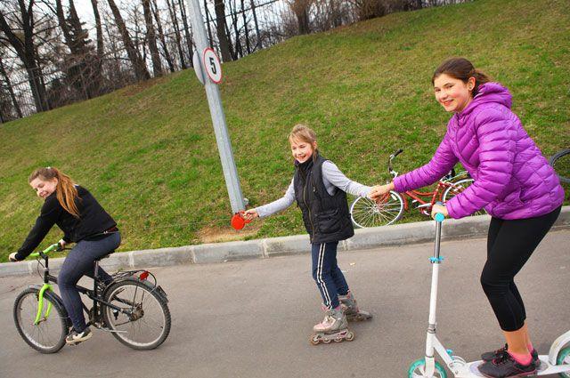 Самокат, ролики и велосипеды для ребёнка. Что нужно знать